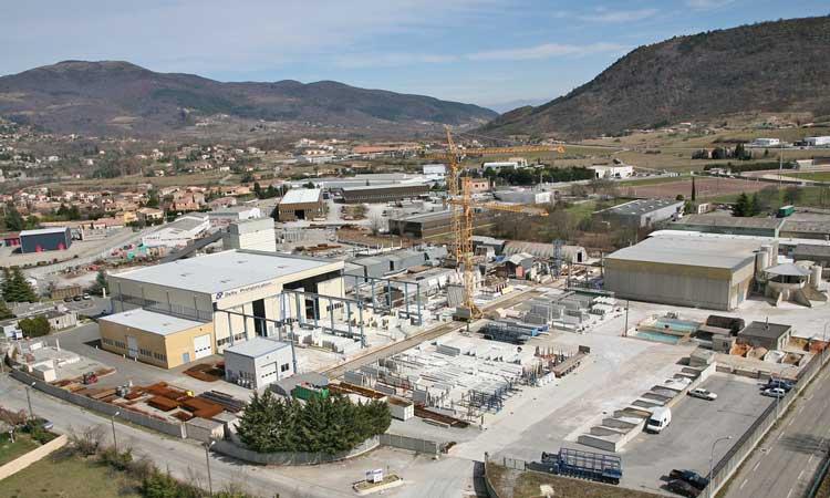 Fabrication et pr fabrication d 39 l ments en b ton for Fabrication d un linteau en beton